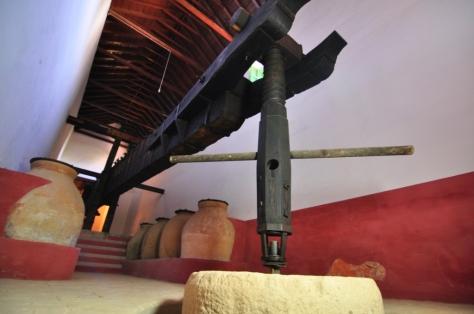 Prensa del siglo XVIII en el Museo. / HACIENDA GUZMÁN