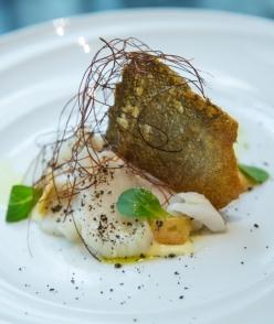 Bacalao con mayonesa de pil-pil y sus crujientes (Escuela de Cocina 'A Punto').